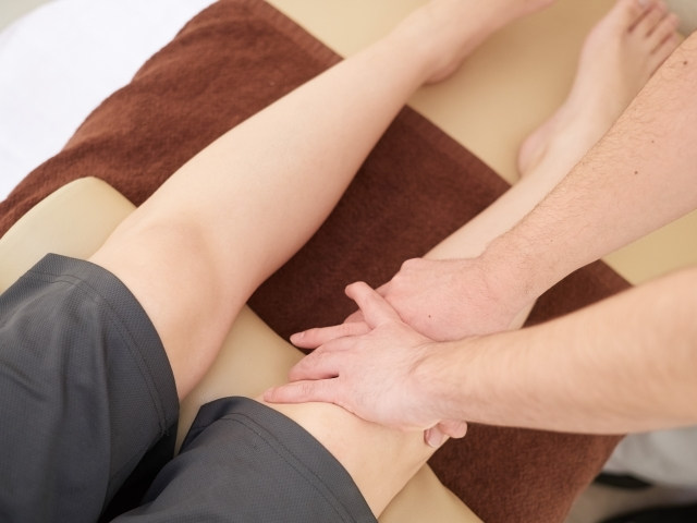 O脚が気になる方は戸田で骨盤矯正を行う【匠整骨院】へ